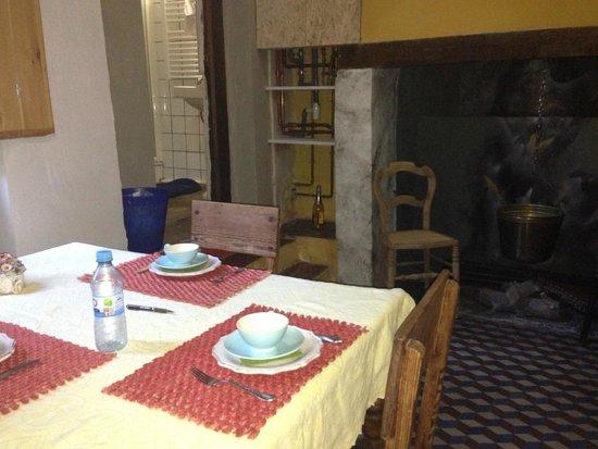 B&B Myriame Dolders: Kitchen in the ground floor room