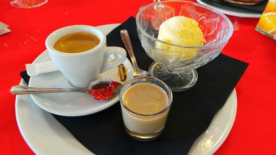Dean Lafosse at Pedros: Affogato with a shot of Baileys - delicious!