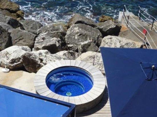 Capo La Gala Hotel: vasca idromassaggio