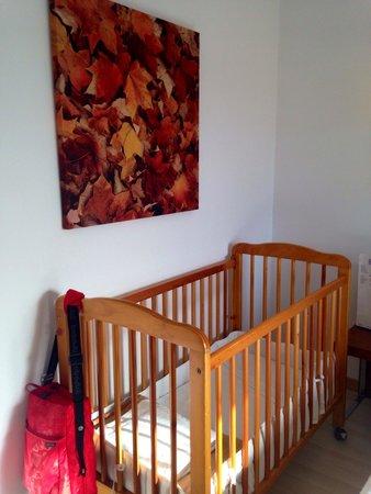 TRYP Zaragoza: Perfecta cunita para mi bebe. Y muy limpia.