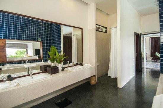 Luang Prabang View Hotel: Bath Room