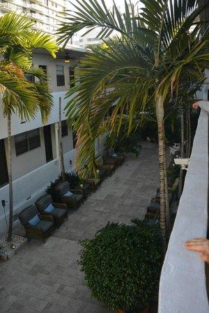 Hotel18: Courtyard