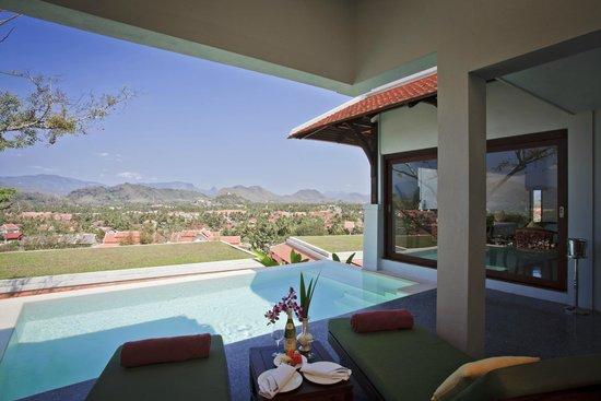 Luang Prabang View Hotel : Pool & City View