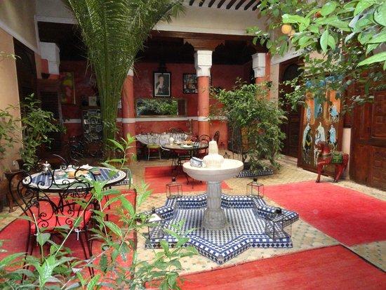 Riad Harmattan : Lugar donde desayunas.. muy tranquilo...