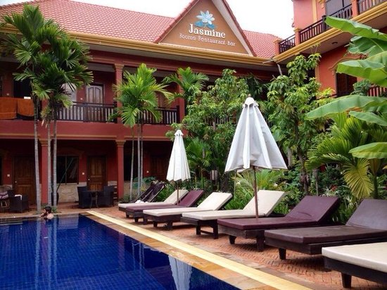 Jasmine Family Hostel: View from the sun lounger