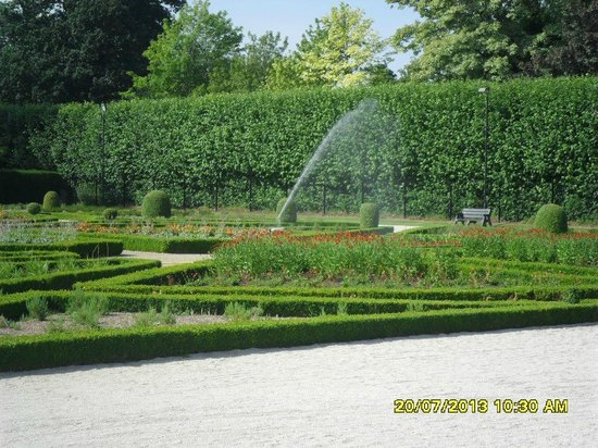 Antrim Castle Gardens: Large Parterre.