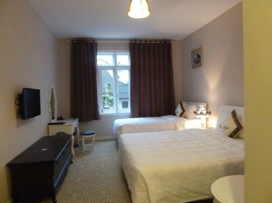 Ngoc Phat Hotel : Room