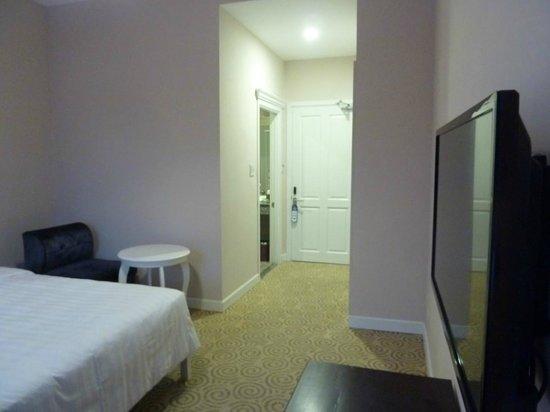 Ngoc Phat Hotel: Room