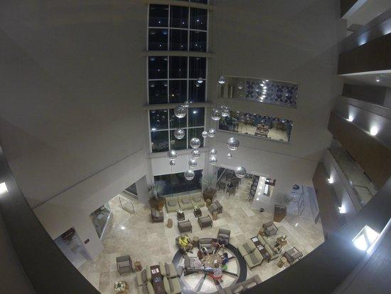 Hilton Garden Inn Boca del Rio Veracruz : Vista superior del Lobby