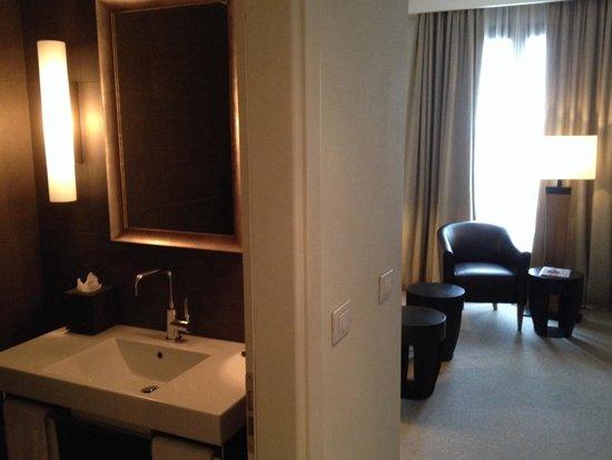 Radisson Blu Hotel, Milan: Seperate lounge