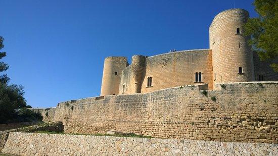 Castell de Bellver (Schloss Bellveder): Castillo de Bellver con su forma circular carteristica