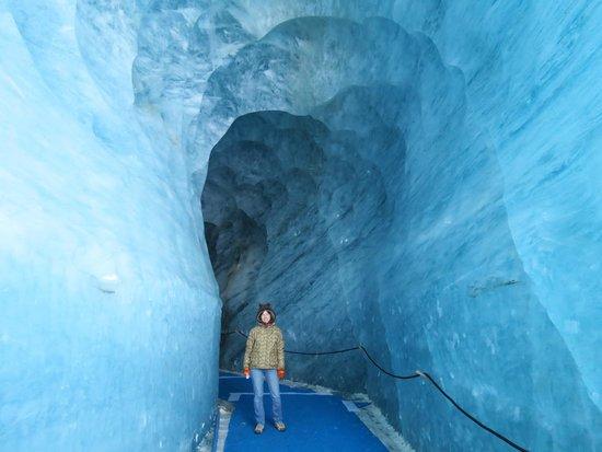 Montenvers - Mer de Glace train: В толще льда