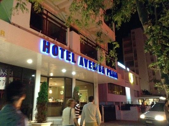 Hotel Avenida Praia: avenida praia by night