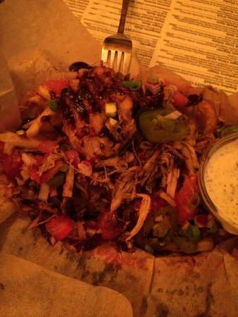 The Tavern Bar: Friez with great toppings