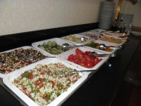 Warsaw Marriott Hotel: Salads