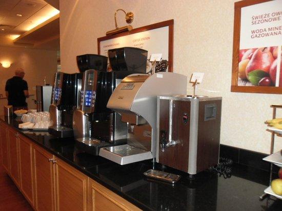 Warsaw Marriott Hotel: Coffe machines