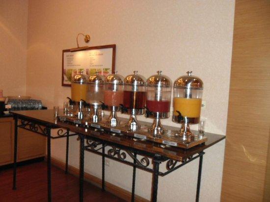 Warsaw Marriott Hotel: Juice