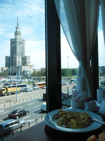 Warsaw Marriott Hotel: Veiw to Place of Culture and Science from the breakfast restaurant