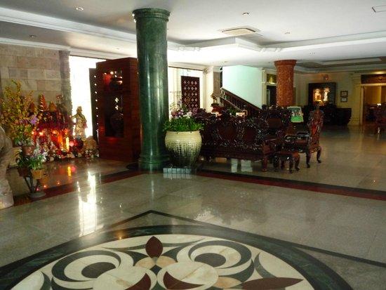 Hotel Somadevi Angkor Resort & Spa: Hotel main entrance