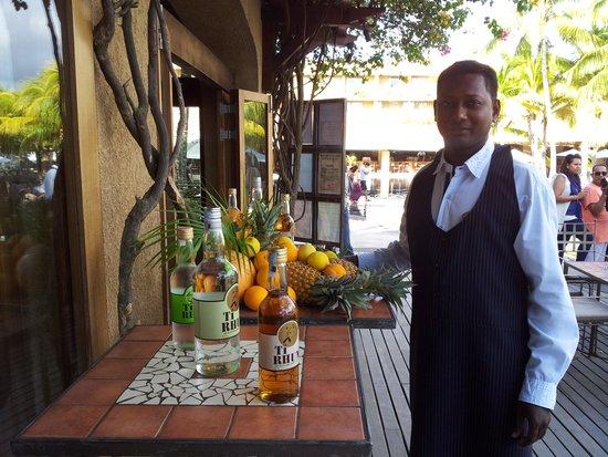Beachcomber Le Mauricia Hotel : Heure de l'apéro !