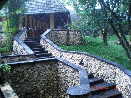Hotel Novotel Bogor Golf Resort and Convention Center: peaceful outdoor