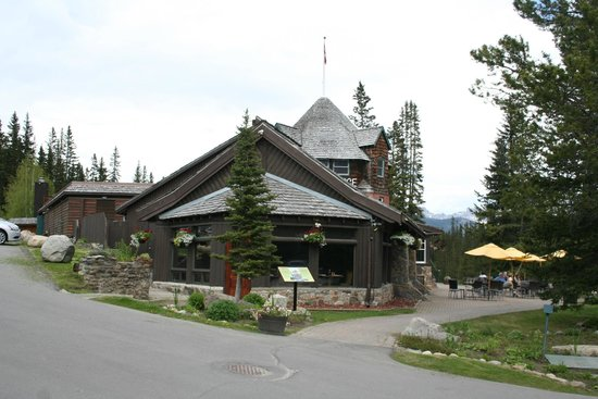 Deer Lodge: Outside view
