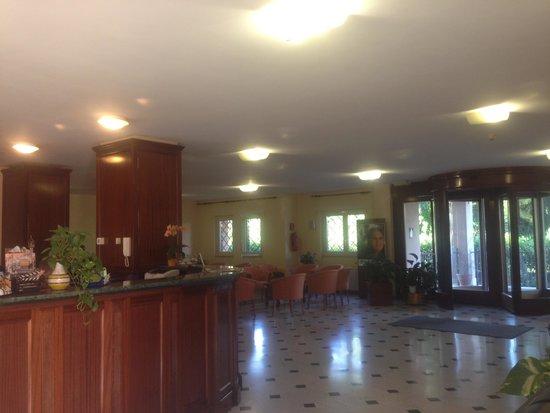 Hotel Casa del Pellegrino - Divino Amore Roma: Hall