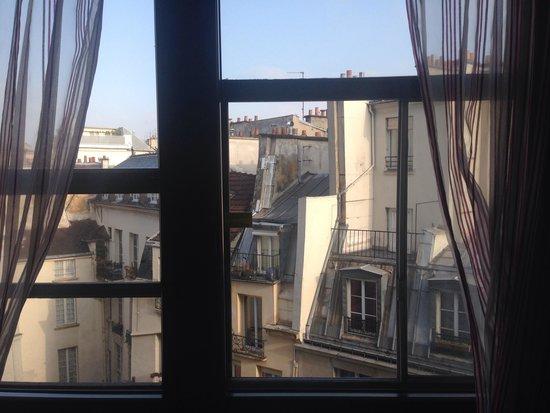 Holiday Inn Paris - Notre Dame: Vue de notre chambre