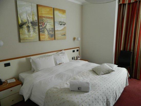 Best Western Congress Hotel : Bed