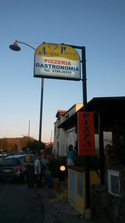 Speraesole: We found a fantastic little local pizzeria called acqua pizza the food was so good the sea food