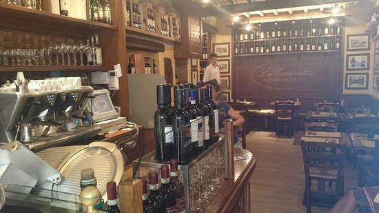La Cantinetta Osteria con Cucina: The interior