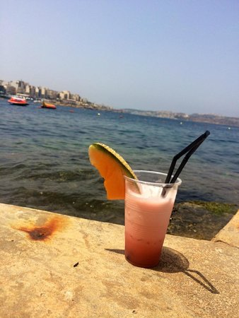Dolmen Resort Hotel: ved sjøen