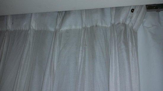 Park Plaza Victoria London : Curtains/Drapery