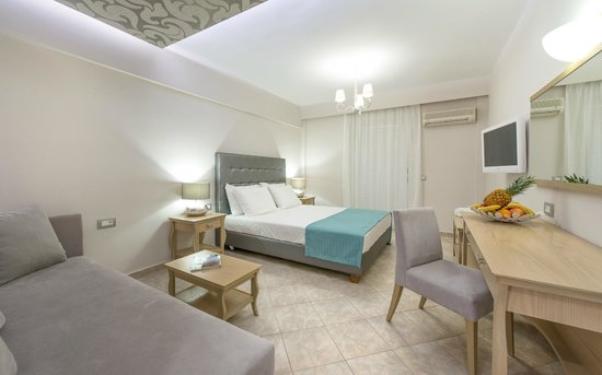 Balcony Hotel: Deluxe room
