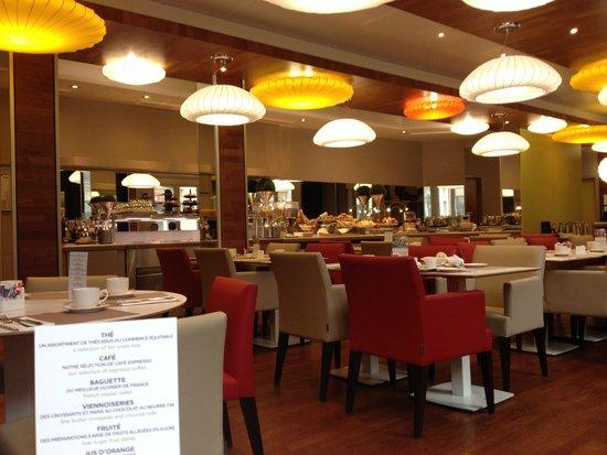 Mercure Nantes Centre Grand Hotel : Salle du petit-déjeuner