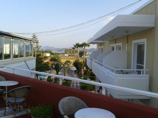 Hotel Corali: Zimmer mit Blick auf die Bar