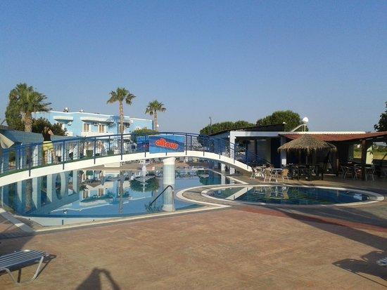 Hotel Corali: Pool