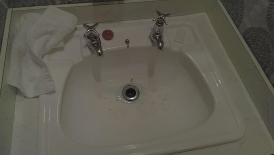 The Godley Hotel: sink