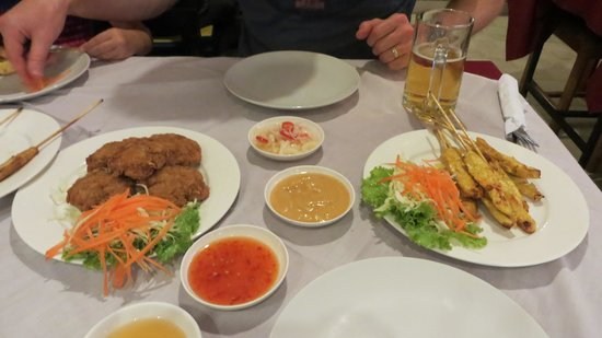 Ying Restaurant: Shrimp Cakes and Chicken Satay