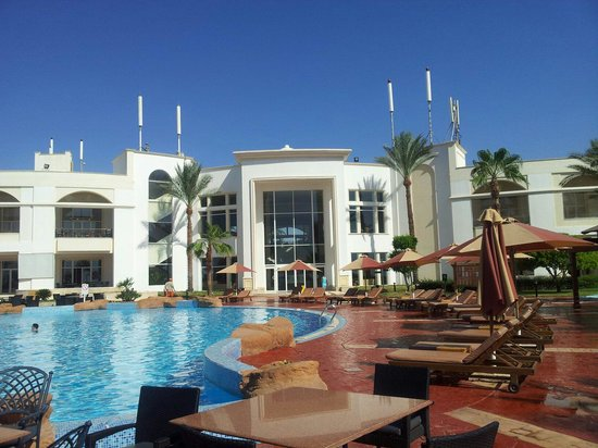 Renaissance Sharm El Sheikh Golden View Beach Resort: Vista entrata reception dal retro