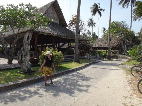 Phi Phi Island Village Beach Resort : lobby