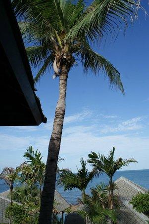 Kanda Residences: Blue skies