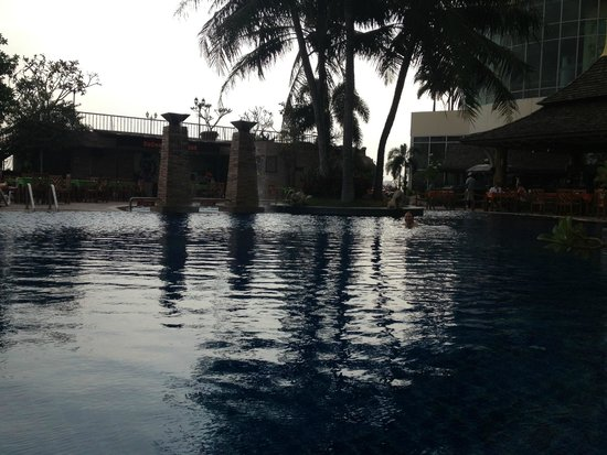 Prince Palace Hotel: pool is fine