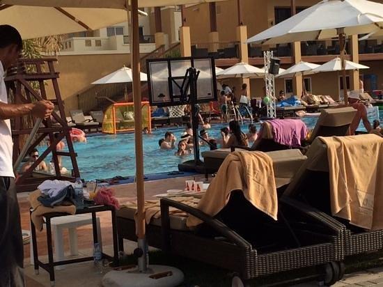 Rixos Bab Al Bahr : pool frenzy