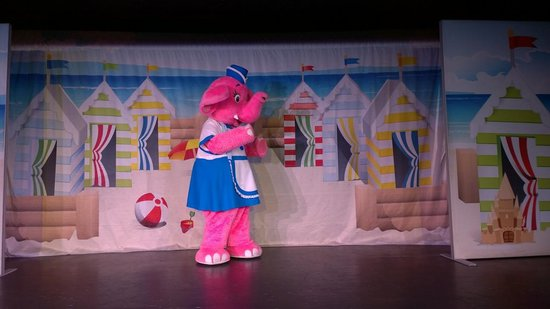 Seashore Holiday Park - Haven: One of the entertainment characters