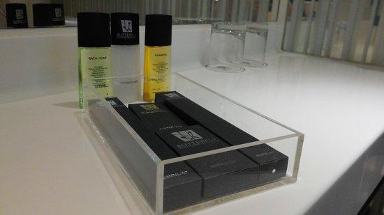 Butterfly On Hollywood - Bathroom Amenities