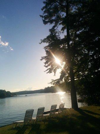 Lake Harmony Inn: the lake