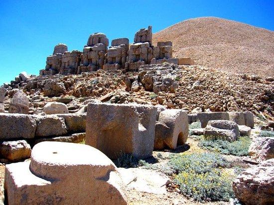 Mount Nemrut: Nemrut dağı ve tarih