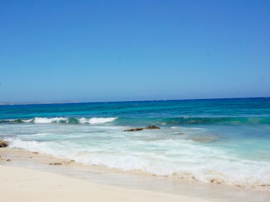 Asterias Beach Hotel: Meer / Strand