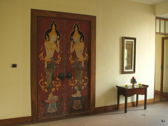 Ariyasomvilla: decoration inside the hotel